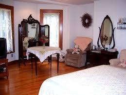 Red Oak Bedroom Furniture by Oak Haven Red Oak Room