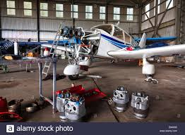 plane repair stock photos u0026 plane repair stock images alamy
