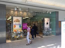 high street retail property to rent lakeside shopping centre