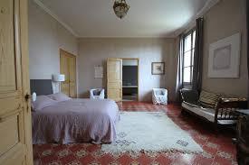 carrelage dans une chambre chambre traditionnelle avec carrelage ancien