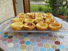 cuisine portugaise dessert dessert portugais pastéis ou pastel au singulier de nata