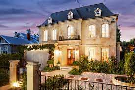 French Chateau Style Homes French Chateau Exterior Curved Windows Google Search Exterior