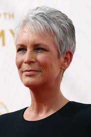 coupe cheveux gris femme cheveux courts gris