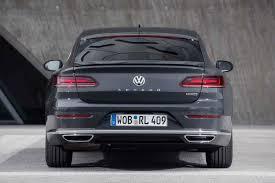 volkswagen r line 2019 volkswagen arteon r line rear end motor trend