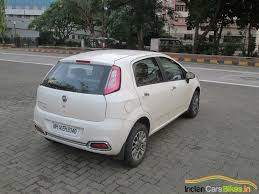 fiat punto 2014 fiat delivers 455 punto evo hatchbacks in a single day at surat