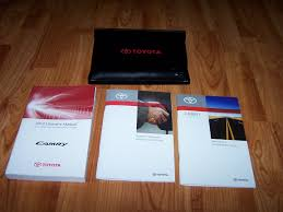2010 toyota camry owners manual set toyota amazon com books