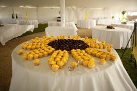 sunflower wedding jazzed up cakes sunflower wedding