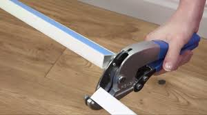 Laminate Floor Cutters Using The Ratchet Cutter To Cut Quarter Round D Line Youtube