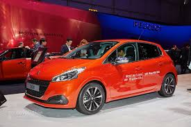 peugeot compact car 2015 peugeot 208 thinks blue in geneva with 79 gram eco model