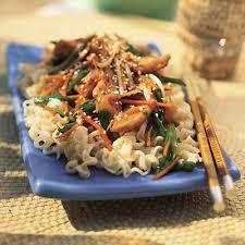 cuisine asiatique poulet sauté asiatique de poulet et légumes metro