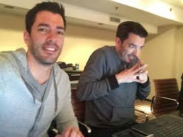 Drew And Jonathan 689 Best Love Those Brothers Images On Pinterest Drew Scott