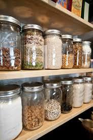 bocaux decoration cuisine idée relooking cuisine les bocaux en verre sont un vrai hit pour