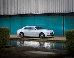 chrysler rolls royce rolls royce unveils bespoke collection for korea motor sports newswire