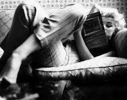 marilyn et la lecture marilyn monroe