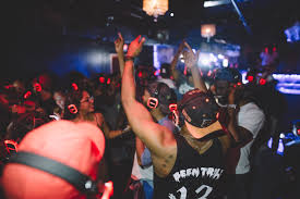 here u0027s why people are wearing headphones at parties atlanta life