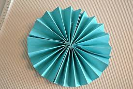 how to make a fan out of paper how to make paper rosettes diy party decorations the cards we drew