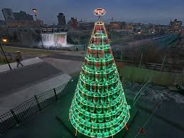 Christmas Tree Made Of Christmas Lights - new york u0027s best christmas tree is made entirely of kegs