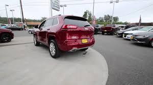 firecracker red jeep cherokee 2016 jeep cherokee overland deep cherry red gw344446 mt