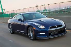 Nissan Gtr 2013 - feature flick nissan gt r and