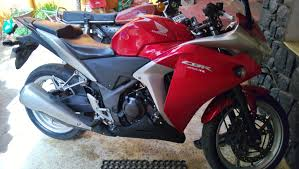 a small review of the honda cbr250r honda cbr 250r consumer
