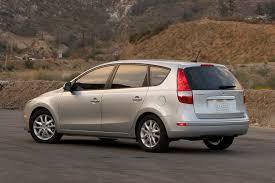 hyundai elantra hatch 2009 hyundai elantra touring overview cars com