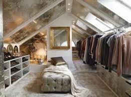 wohnideen in dachgeschoss begehbarer kleiderschrank im dachgeschoss wohnideen einrichten