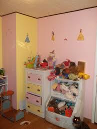 daughter u0027s new disney princess bedroom d rezzed pop culture news