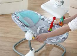siège bébé un siège bébé fisher price avec dérive ou évolution naturelle
