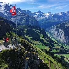 beautiful places on earth one of the most beautiful places in earth lauterbrunnen valley
