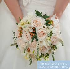 Wedding Flowers Guide Cream Rose Wedding Flowers