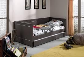 chambre enfant bois massif lit enfant bois massif anabelle un canapé lit en pin massif so nuit