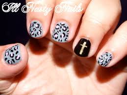nails with crosses beautify themselves with sweet nails