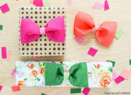 tissue paper gift bow gift wrapping ideas 13 unusual ways to