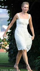 chief bridesmaid naomi watts almost outshines the bride in pretty