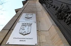 Wohnzimmerm El F Senioren Prozess In Hamburg Diebe Geben Sich Als Polizisten Aus So