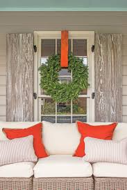 carolina colonial christmas outdoor decorations southern living