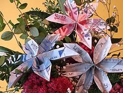 blumen geschenke zur hochzeit eine schicke geld blume falten basteln gestalten