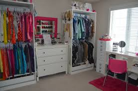beauty room walk in closet