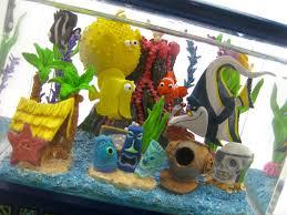 dan the pixar fan finding nemo disney store fish tank snowglobe