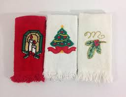 christmas towels set of 3 vintage christmas towels bathroom guest christmas
