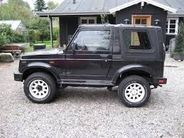 suzuki samurai lifted suzuki samurai back seat wallpaper 1024x768 24350