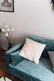 Esszimmertisch Mit Marmorplatte Interior Unser Wohnzimmer Mit Samt Sofa Und Marmortisch