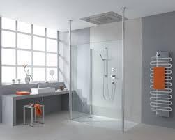 glastüren badezimmer ebenerdige dusche modernität und funktionalität im badezimmer