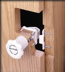 Child Safety Locks For Kitchen Cabinets Rev A Shelf Cabinet Lock Security System With 5 Locks And 2 Keys
