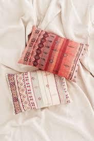 164 Best Coussins à La Folie Images On Pinterest Cushions At