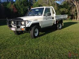 landcruiser 4x4 2000 ute 5 sp manual 4 2l diesel not nissan patrol
