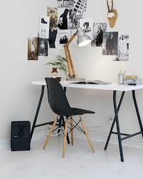 bureau noir et blanc un bureau en noir et blanc bureaus spaces and interiors