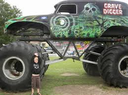 grave digger monster truck wallpaper the story of us monster truck madness