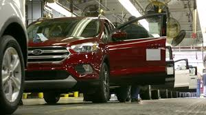 ford crossover escape 2017 ford escape production is now underway at ford louisville