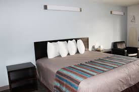 2 Bedroom Suites In San Diego Gaslamp District San Diego Hotels Near Sea World Affordable California Hotel